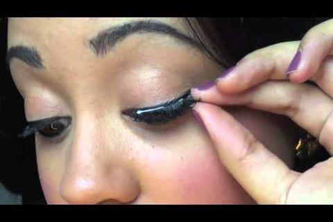 Trik Mudah dan Cepat Memasang Bulu Mata Palsu