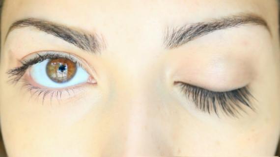 Cara Mempertebal Bulu Mata