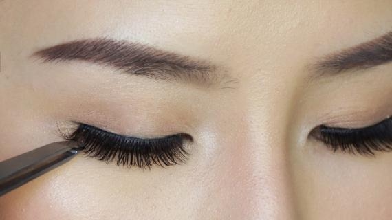5 Langkah Cepat dan Efektif Memasang Bulu Mata Palsu Bagi Pemula