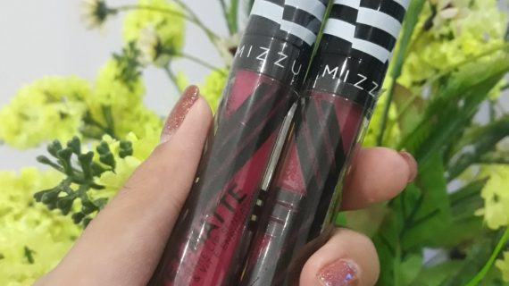 Review Mizzu Valipcious Velvet Matte Lip Cream | Shade Full Bloom & Dine In Wine