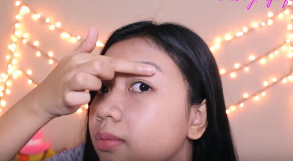bagaimana cara melentikkan bulu mata