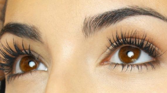 Cara Buat Bulu Mata Lentik dengan Alat Kecantikan yang Anda Punya