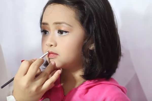 cara make up anak untuk pentas