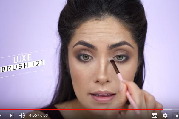 cara memakai eyeshadow 2 warna