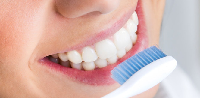 Langkah Dan Cara Memutihkan Gigi Dengan Baking Powder