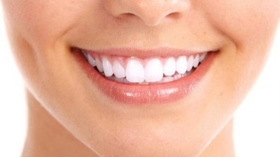 Cara Mengatasi Gigi Kuning dan Bau Mulut