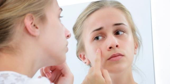 cara mengecek jenis kulit wajah