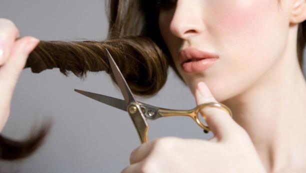 cara mengembaikan rambut rusak