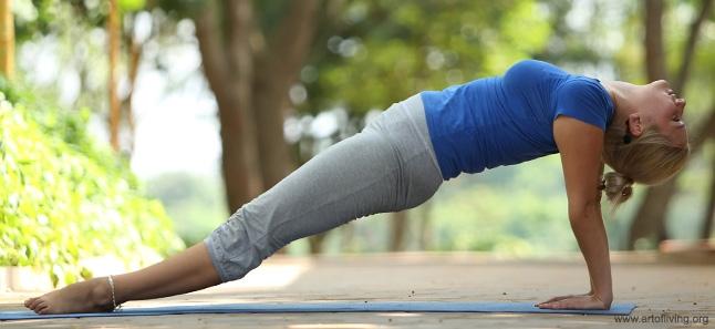 Manfaat Membiasakan Olahraga Plank Setiap Hari yang Akan Anda Rasakan