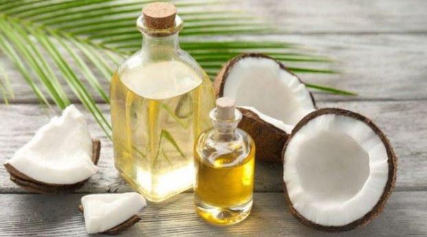 manfaat minyak kelapa untuk alis dan bulu mata