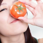 Manfaat Tomat untuk Wajah dan Bibir Yang Wajib Anda Ketahui