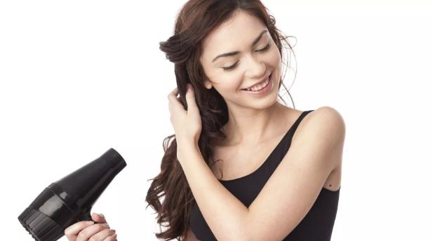 melembutkan rambut yang mengembang