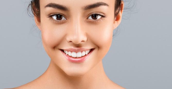 10 Cara Mengecilkan Pori-Pori Wajah