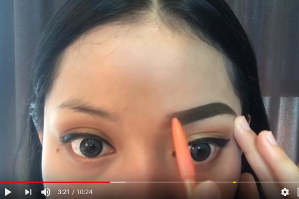 tutorial memakai pensil alis
