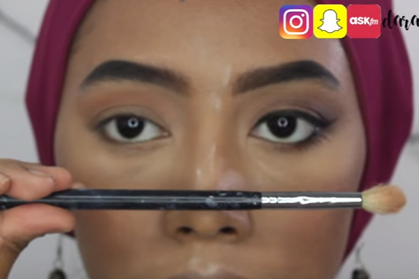 video cara memakai eye shadow